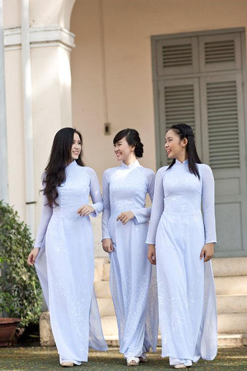 các kiểu áo dài đi học cho học sinh nữ đẹp nhất 7