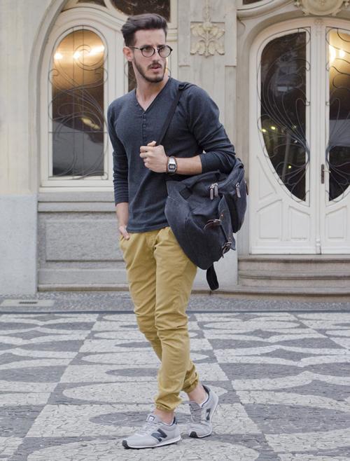Phối đồ cực phong cách với quần kaki nam