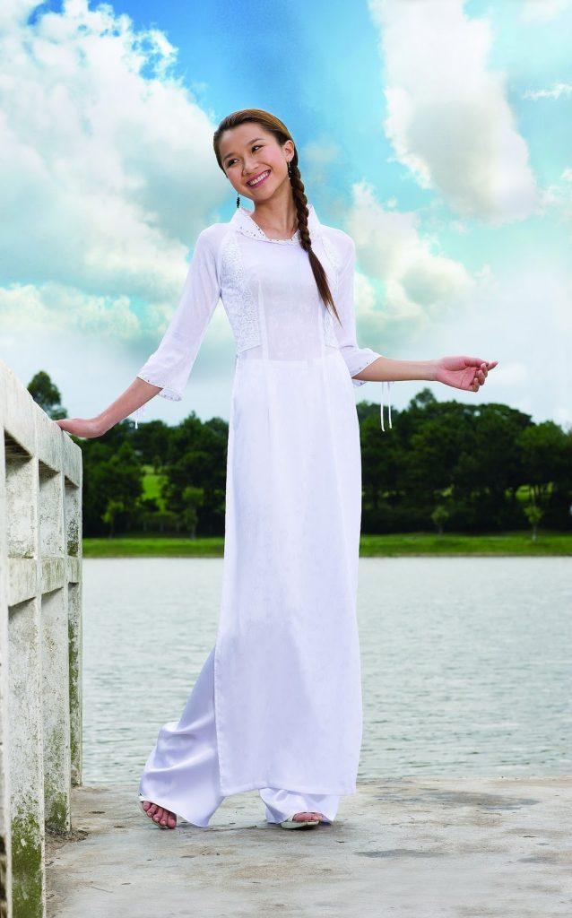 Top 6 mẫu áo dài đi học dây kéo sau lưng và cách mặc sao cho đẹp 2