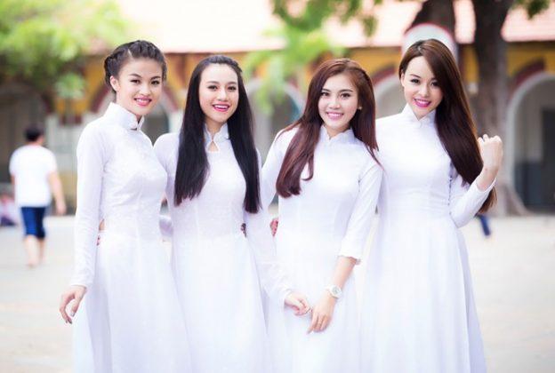 Top 6 mẫu áo dài đi học dây kéo sau lưng và cách mặc sao cho đẹp 7