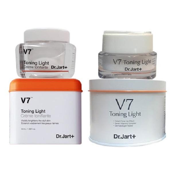 kem-duong-da-v7-chua-Licorice-extract