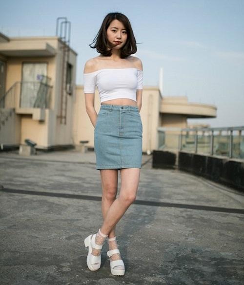 Chân váy jean bút chì kết hợp với áo gì 4