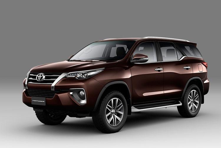 2041_Toyota-Fortuner-2018-1