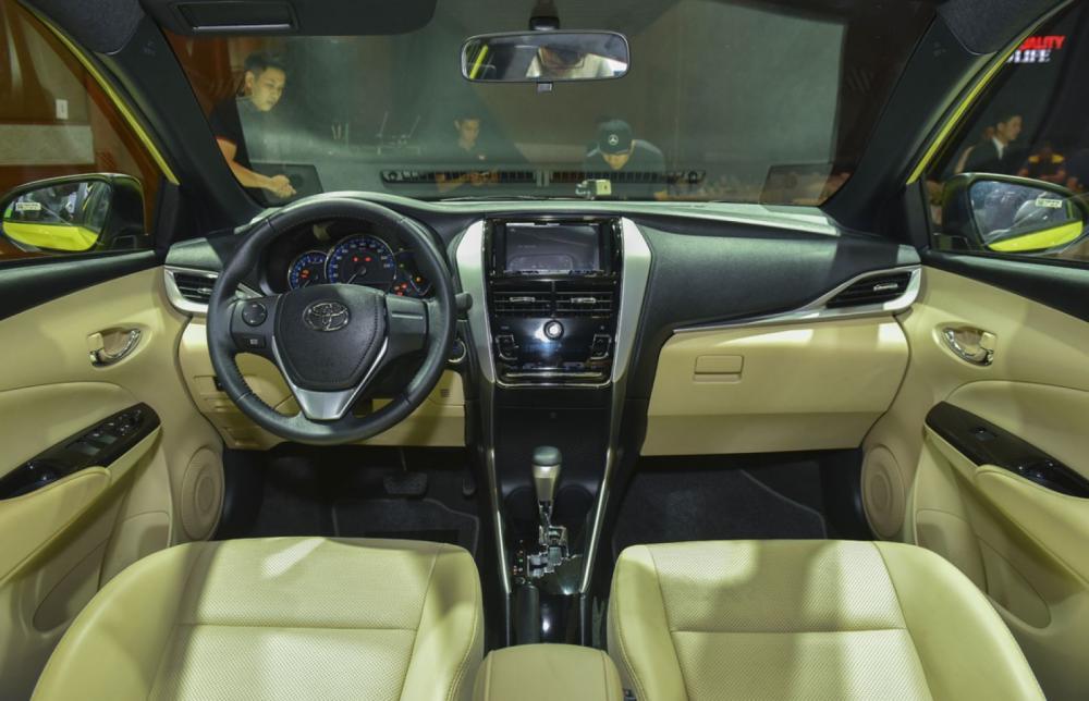 Xe-Toyota-Yaris-3