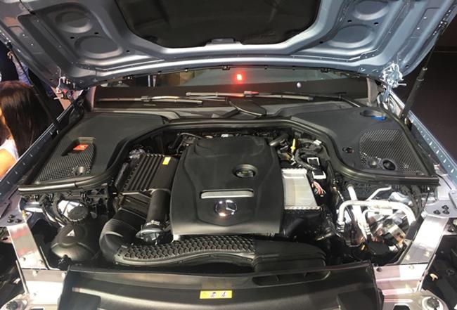 dong-co-xe-Mercedes-e200