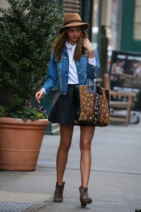 Miranda Kerr strolling in New York