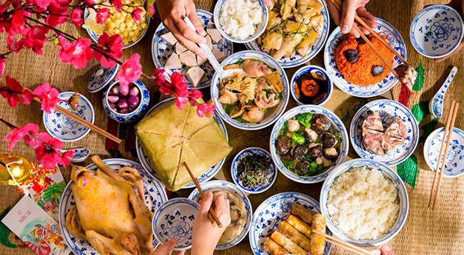 Đặc trưng riêng của các món ăn ngày Tết miền Bắc là thể hiện được sự sung túc, đủ đầy, mong cho một năm mới đủ ăn, ấm no.