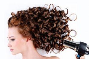 Hướng dẫn cách chăm sóc tóc xoăn ngắn chuẩn salon tại nhà