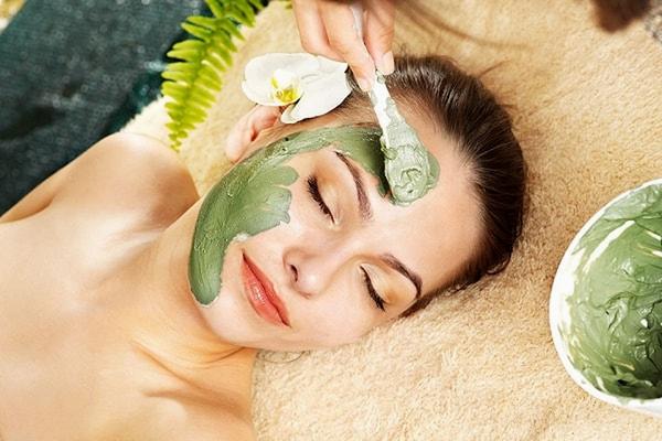 các loại mặt nạ dưỡng da từ thiên nhiên bột trà xanh