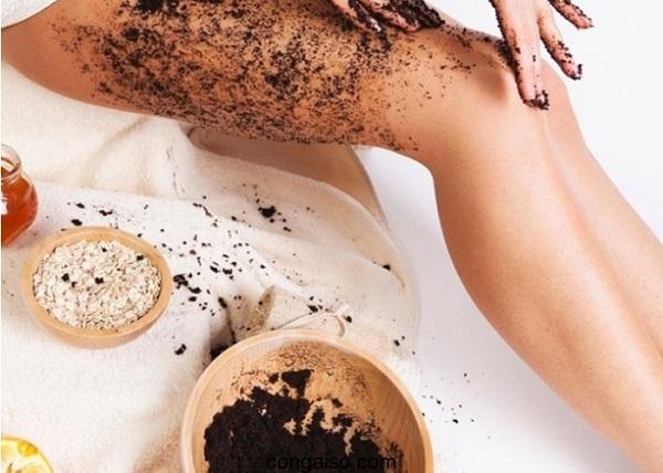 Tẩy da chết toàn thân bằng cà phê kết hợp tinh dầu