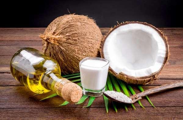 Cách trị da mặt khô bằng dầu dừa
