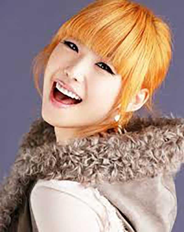Tóc vàng ánh cam