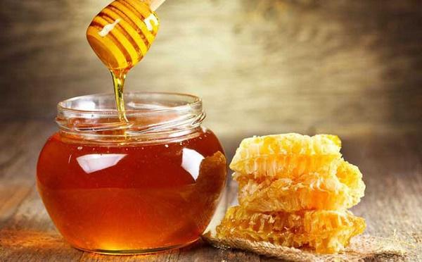 Trẻ hóa da bằng mật ong